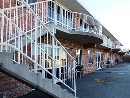 Hotel Motel B and B